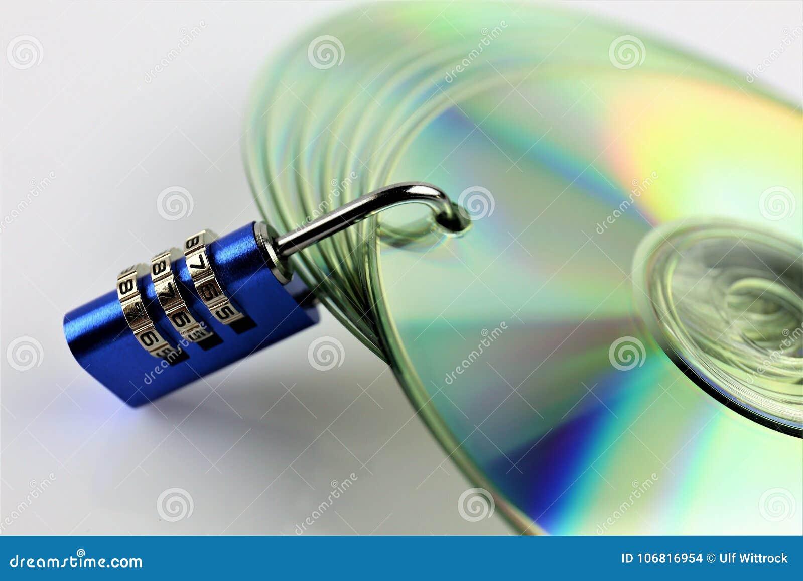 Uma imagem do conceito de um CD e de um fechamento - segurança de dados