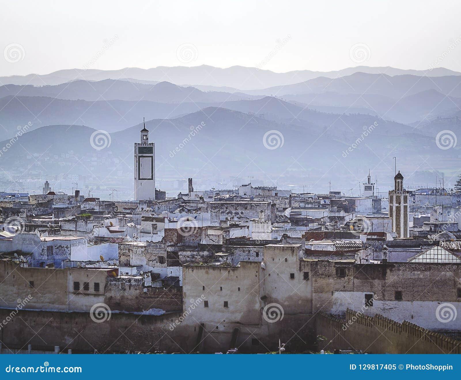 Uma manhã nevoenta sobre o medina de Tetouan