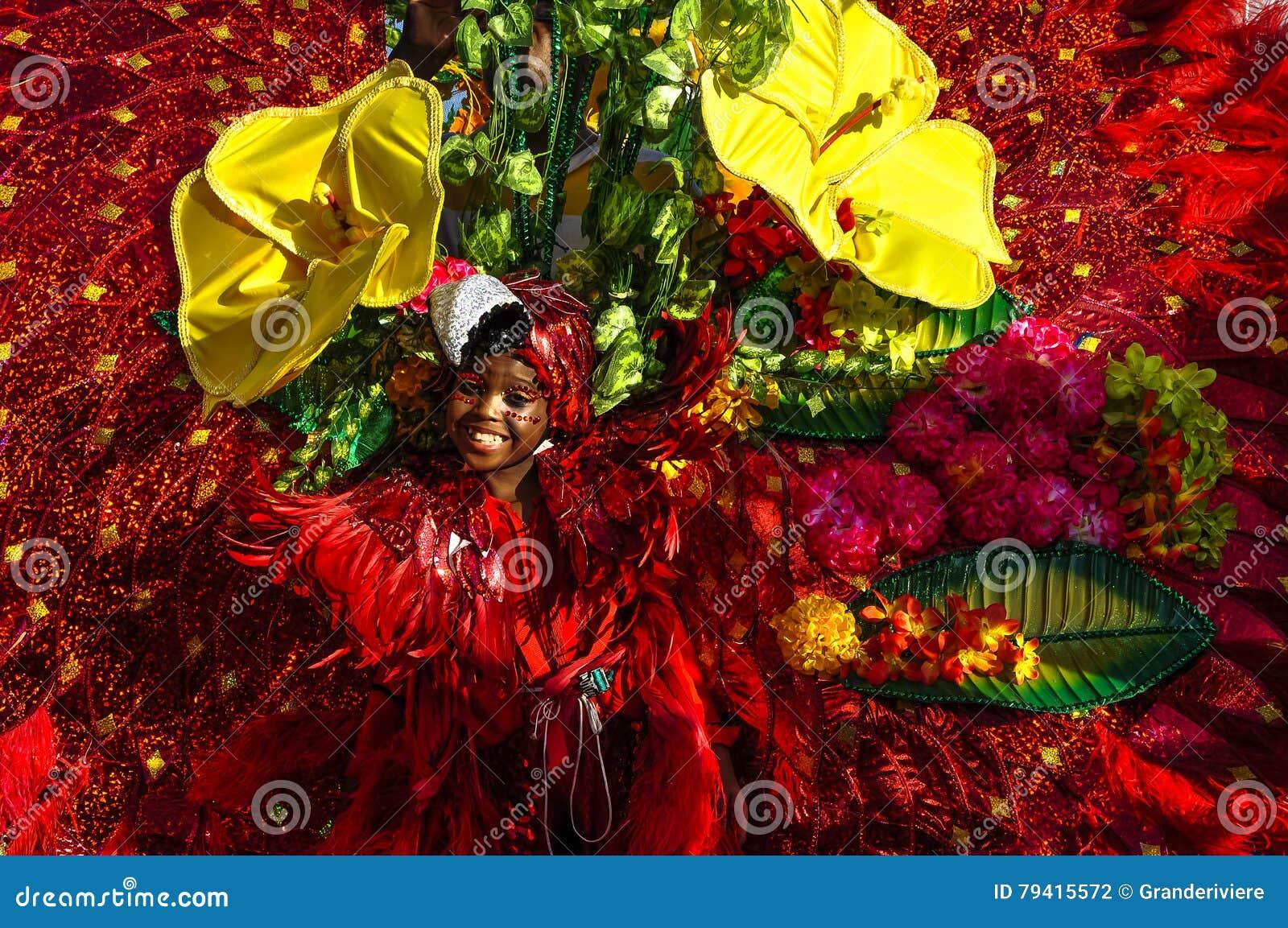 Uma moça descreve a flora e a fauna ricas em Trindade e Tobago
