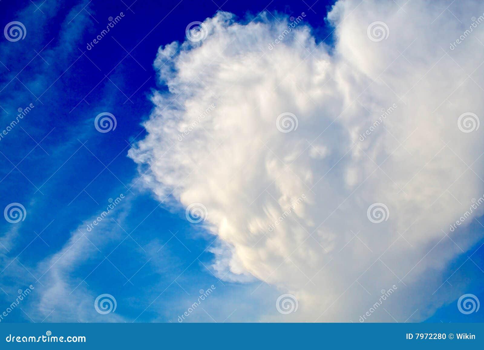 Uma nuvem Heart-shaped