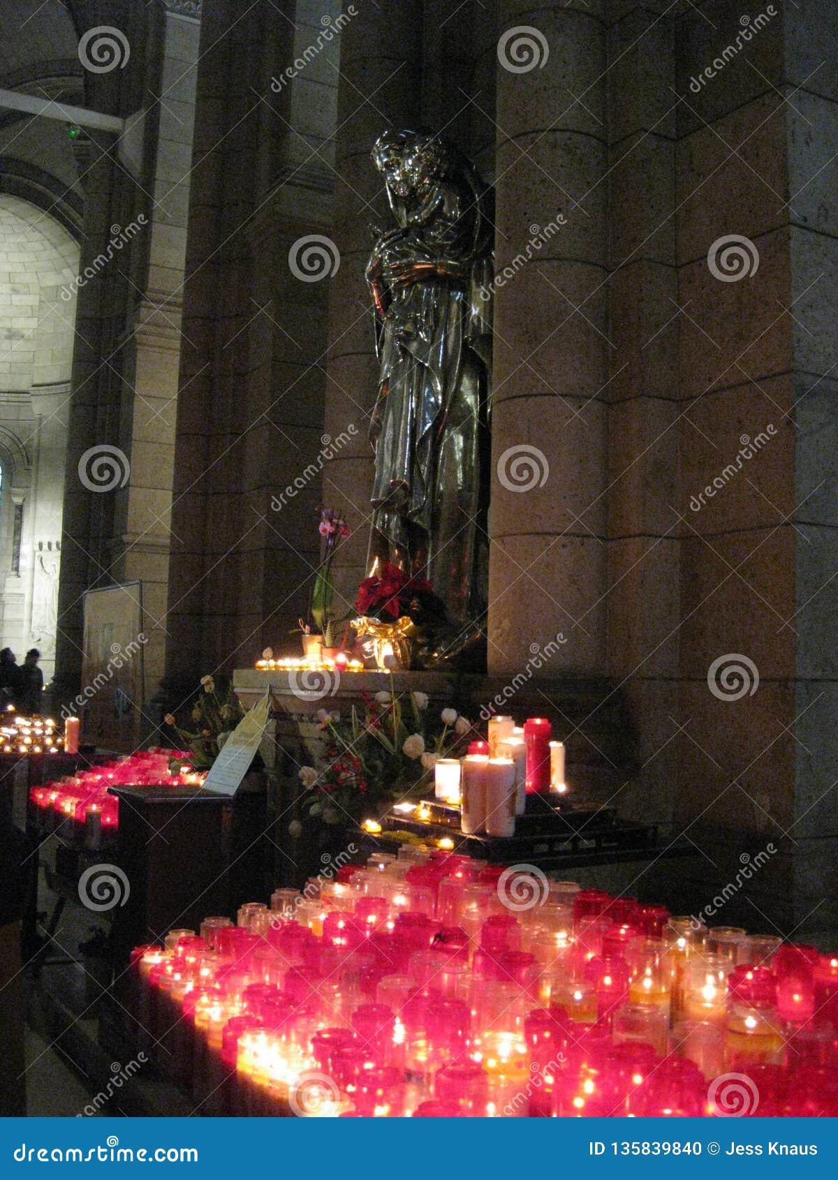 """Uma parada angélico da oração de Saint dentro ur do Sacré-CÅ """", Paris"""