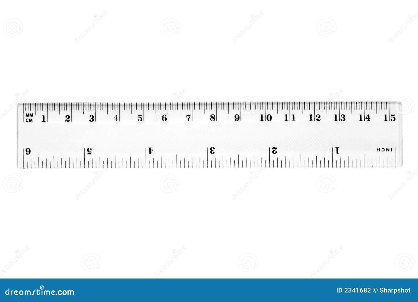 Uma régua de 15 cm.