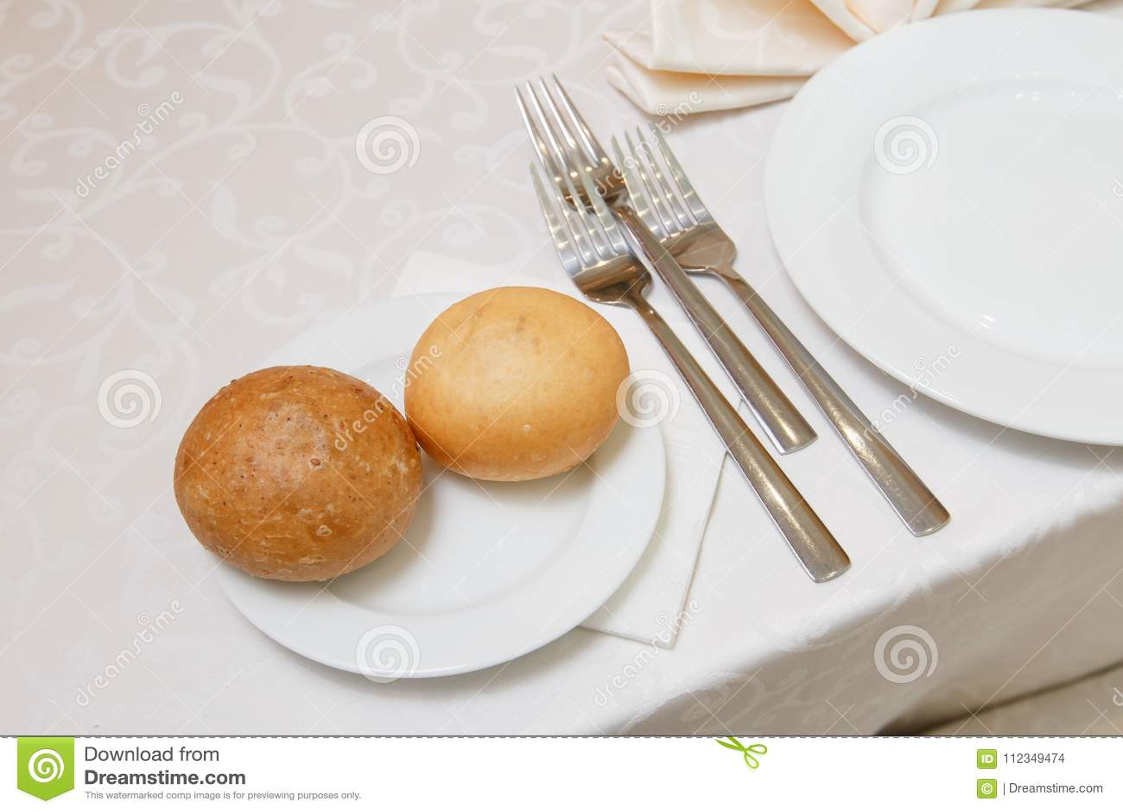 Uma tabela festiva no restaurante