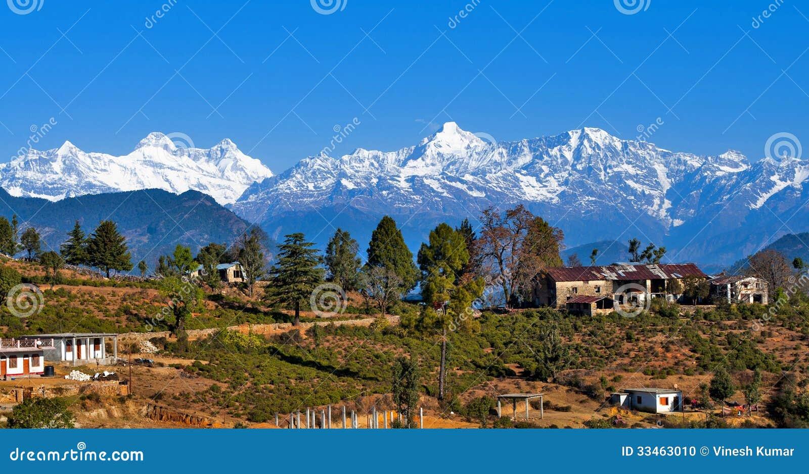 Uma vila em Himalayas