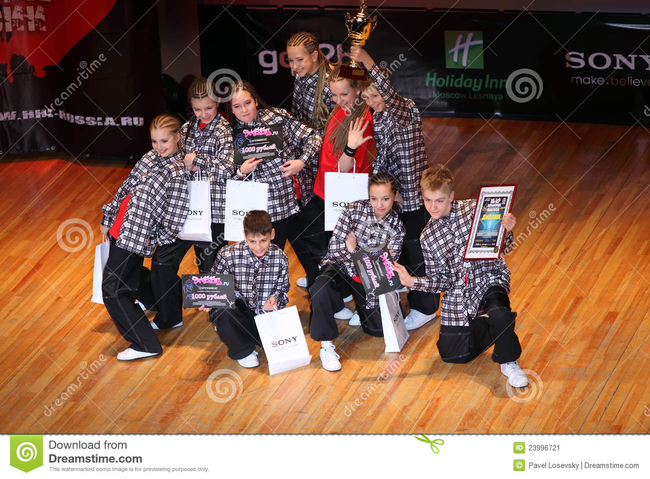 MOSCOW - MARCH 27: Umka team at Hip Hop International Cup of Russia ...
