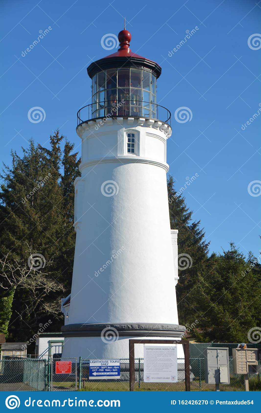 Winchester Bay`s Umpqua Lighthouse on the Oregon Coast