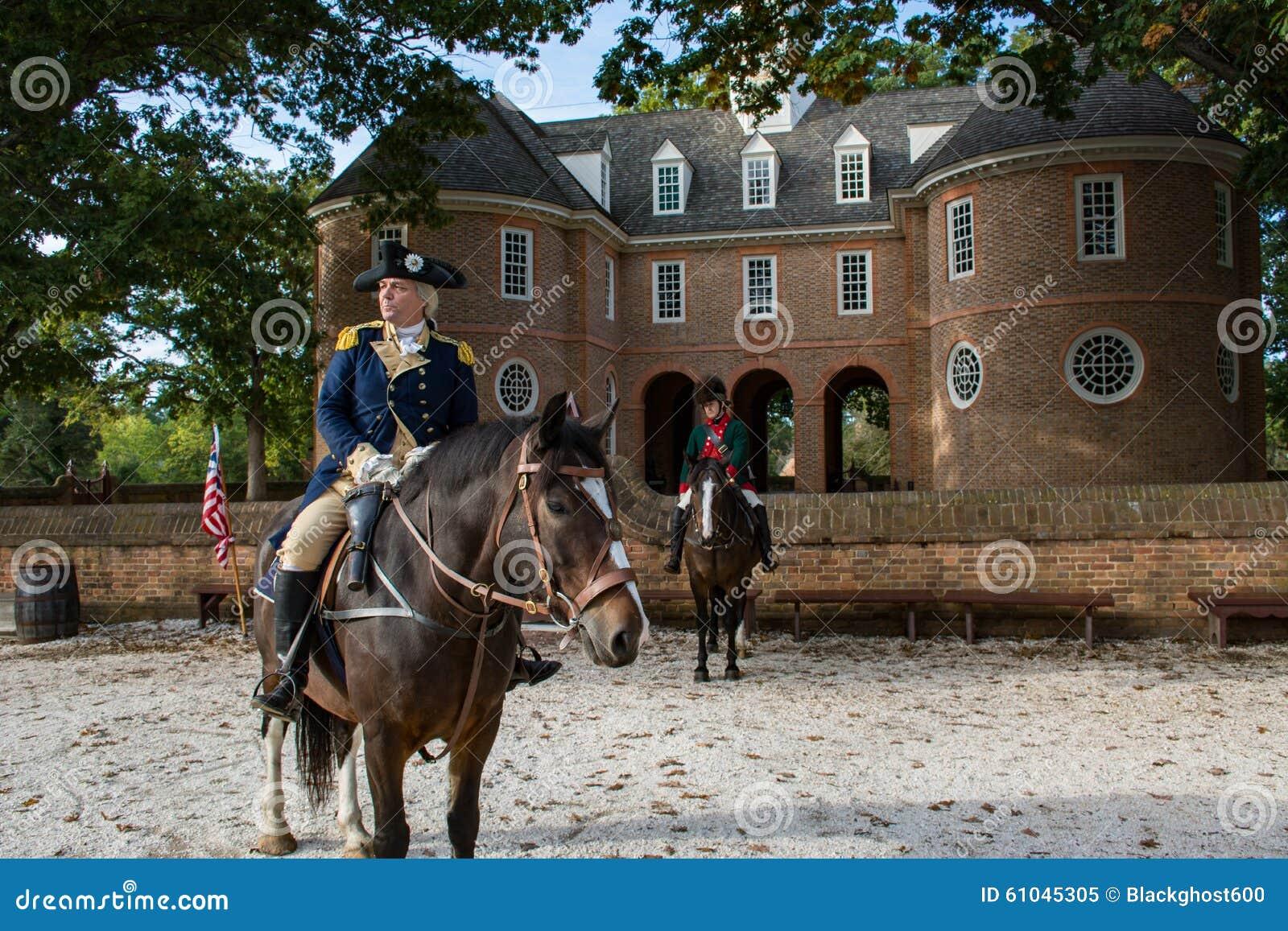 Un acteur dépeint George Washington à Williamsburg historique Va