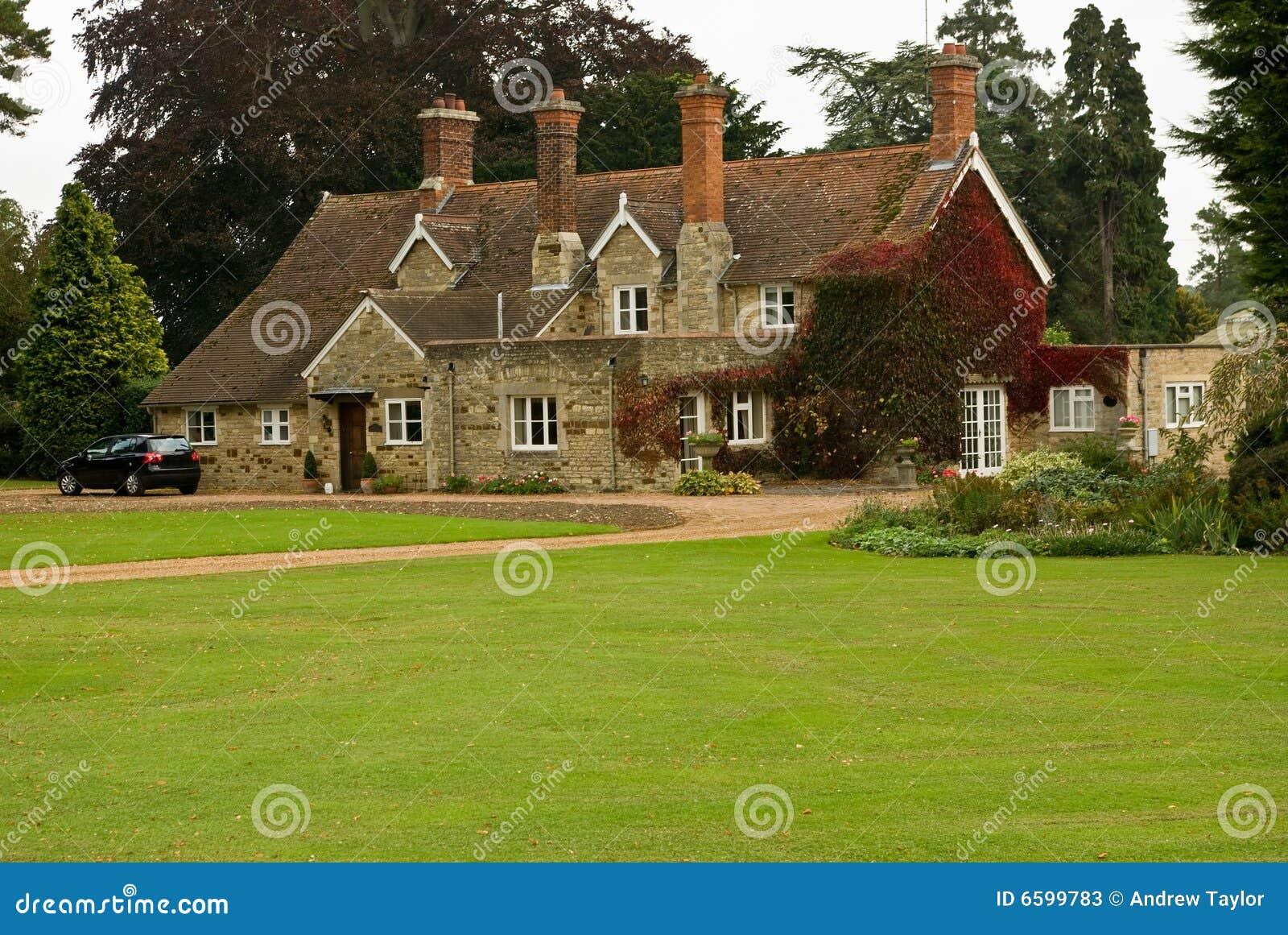 Un 39 altra casa di campagna inglese fotografie stock for Piani di campagna inglese