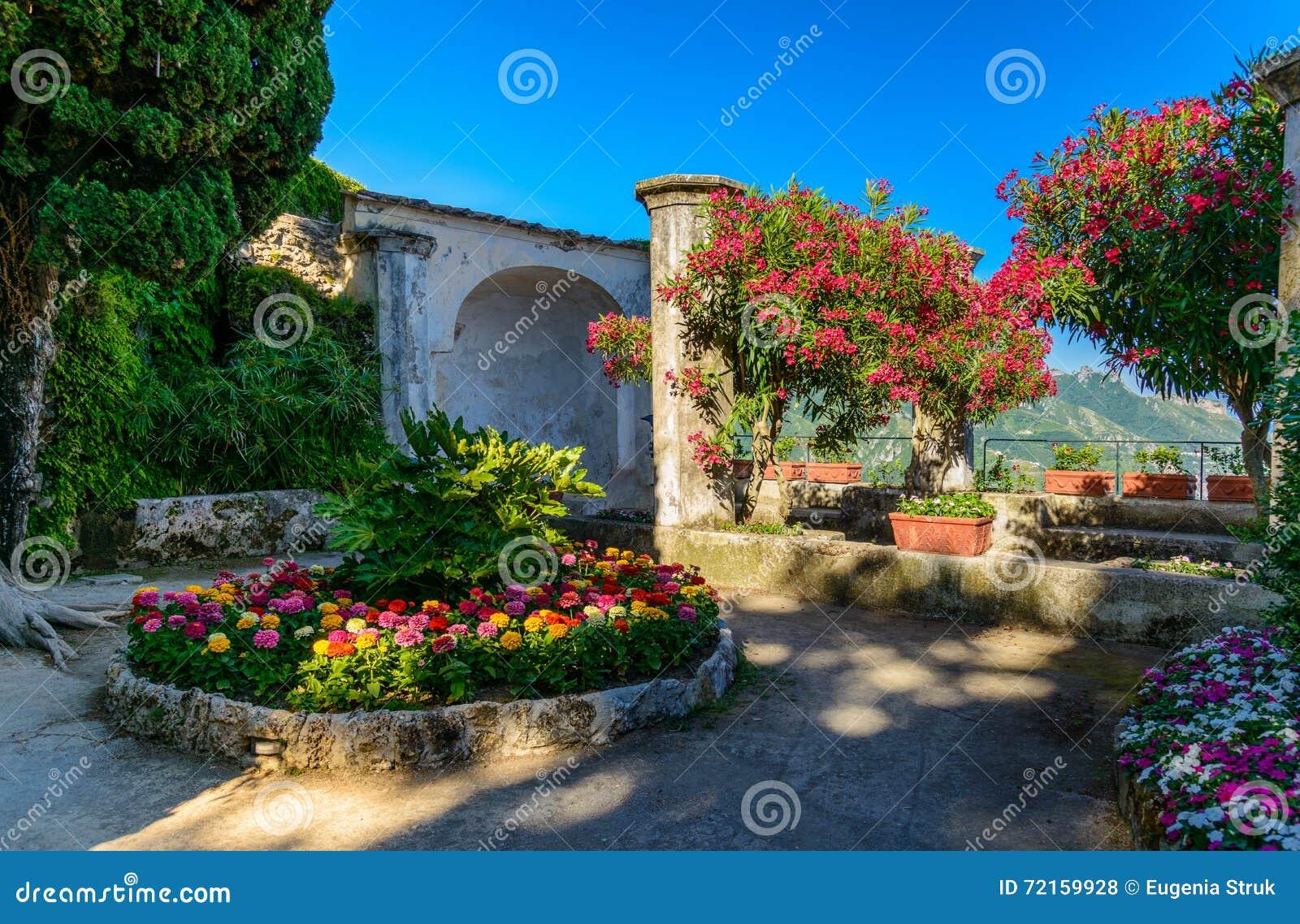 un beau jardin au territoire de rufolo de villa ravello