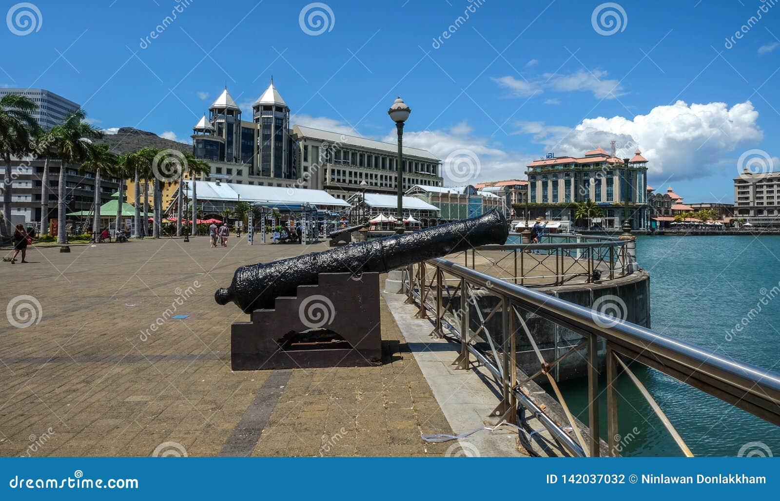 Un cannone antico a Port Louis
