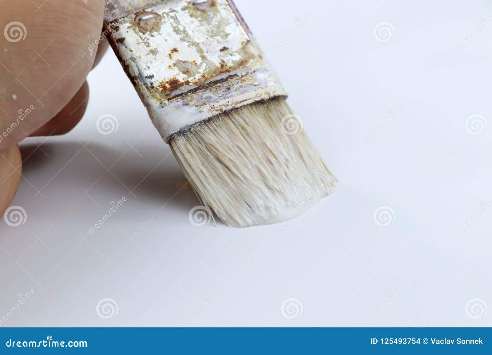 Un Certain Mur De Peinture D Homme Utilisant La Couleur