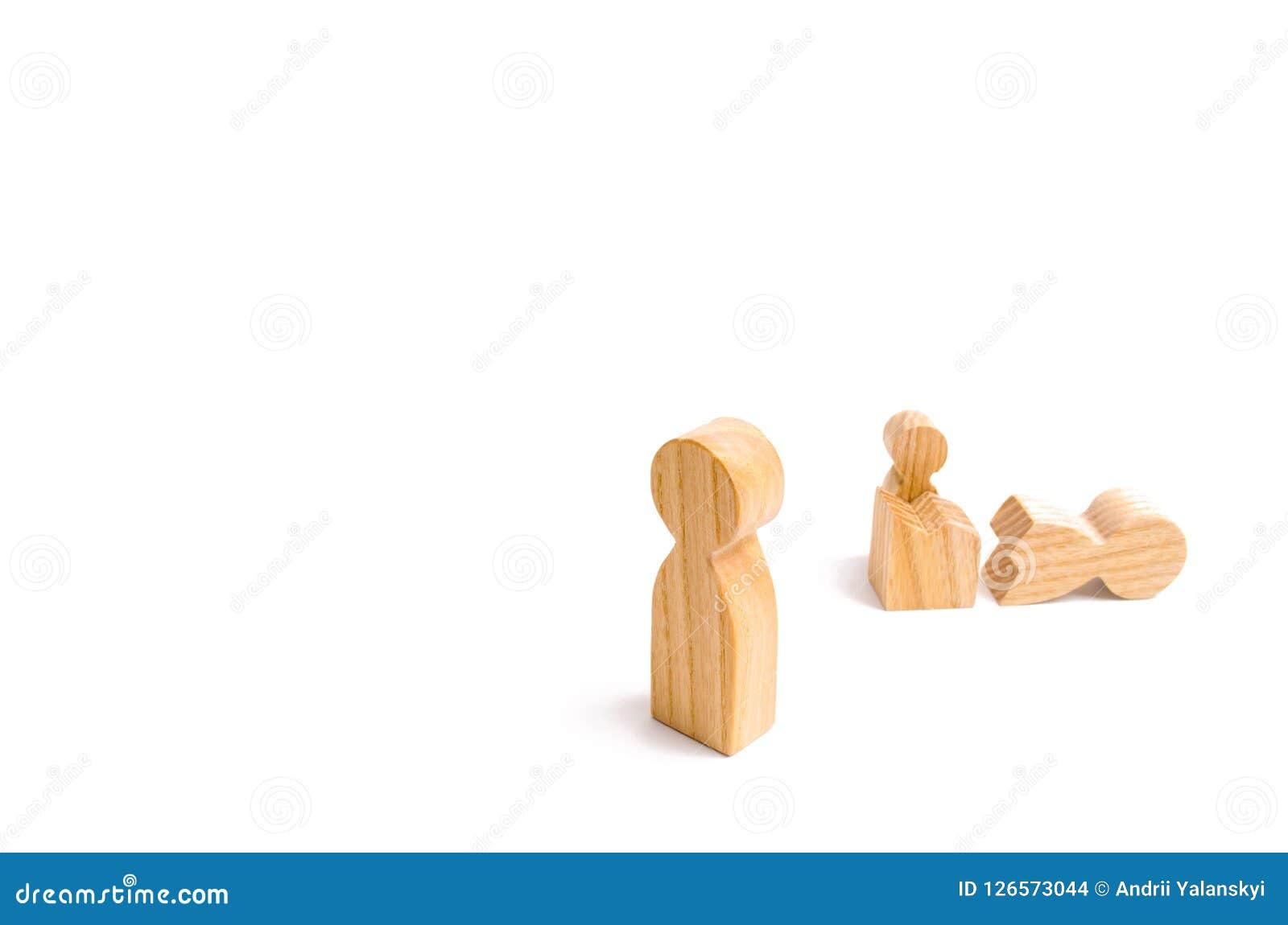 Un chiffre humain en bois a été témoin de la transformation et du changement d une autre personne La nouvelle vie, priorités chan