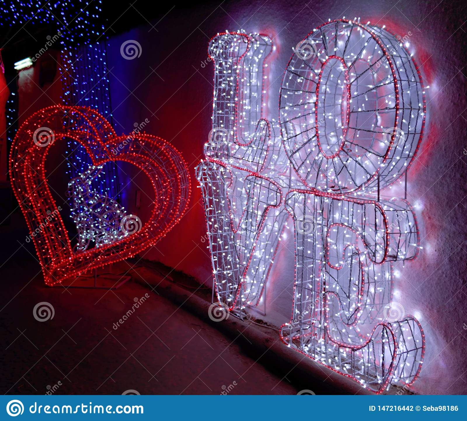 Un Coeur Et Un Grand Texte Damour Photo Stock Image Du