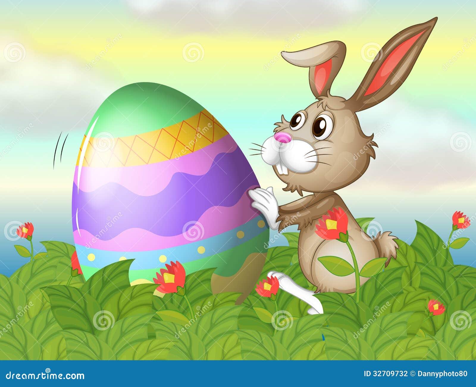 Un Conejo Y Un Huevo Grande En El Jardín Ilustración del Vector ...