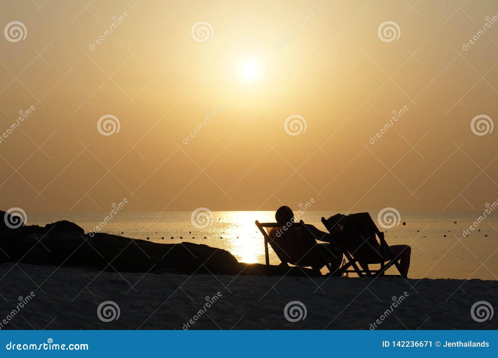 Un coucher du soleil sur la plage