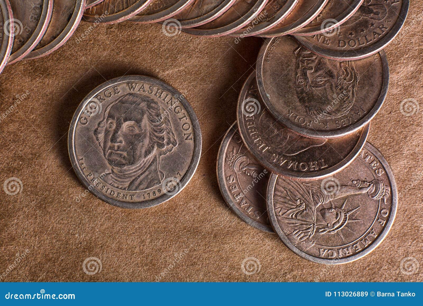 Un dólar acuña el primer