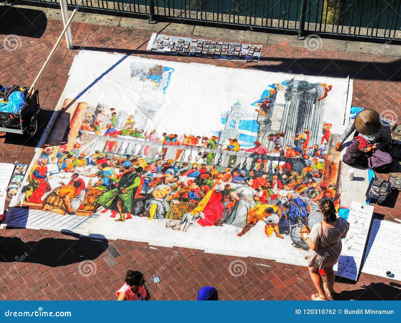 Un dessin d artiste de rue sur le grand morceau de papier présenté sur le plancher à Sydney, vue aérienne circulaire de Quay