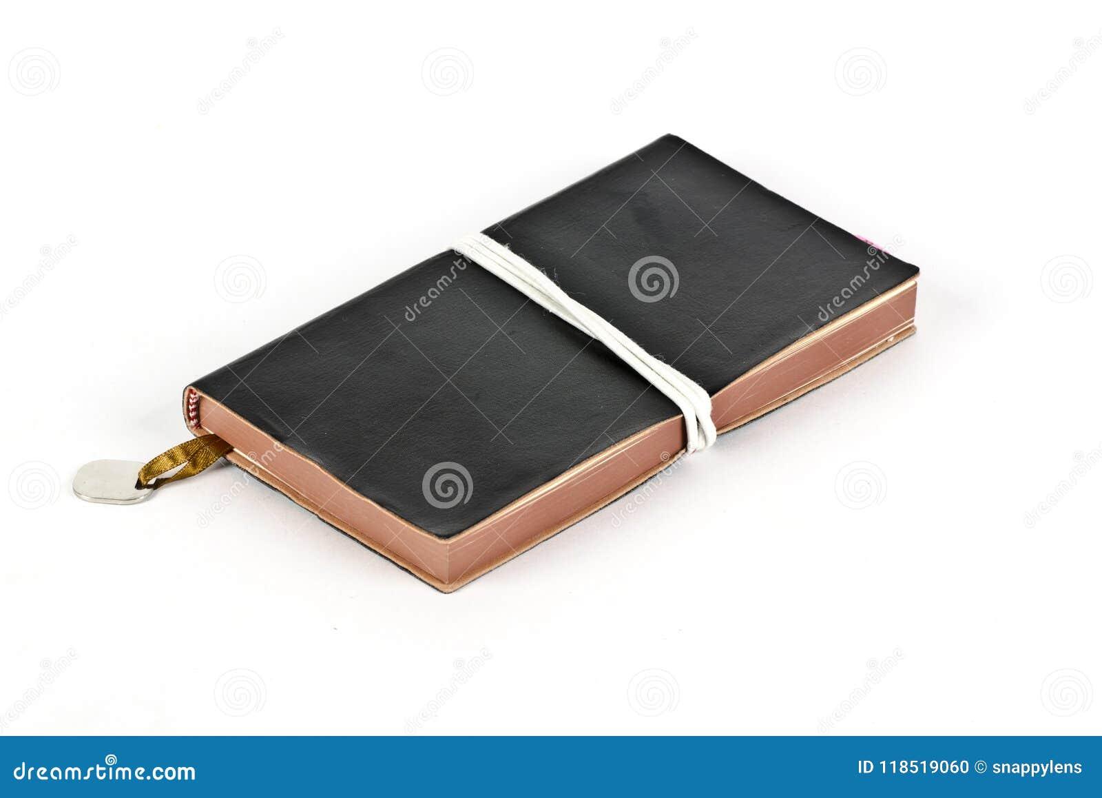 Un diario personal con un marcador