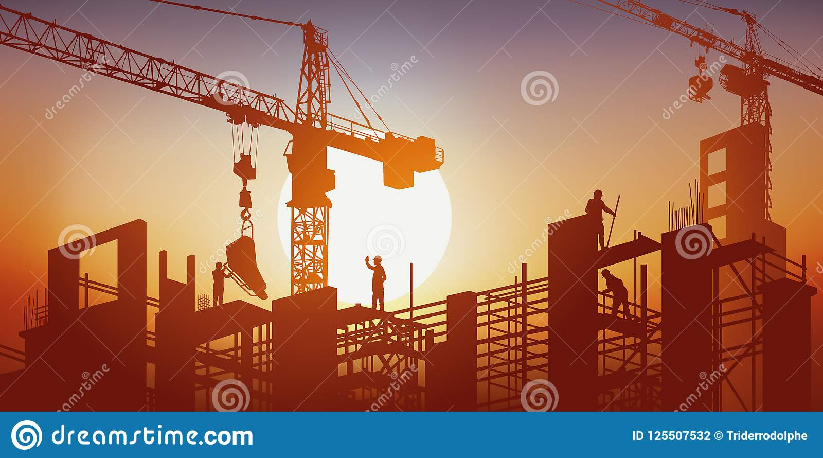 Un edificio sta costruendo sotto il sole in mezzo delle gru e dell armatura