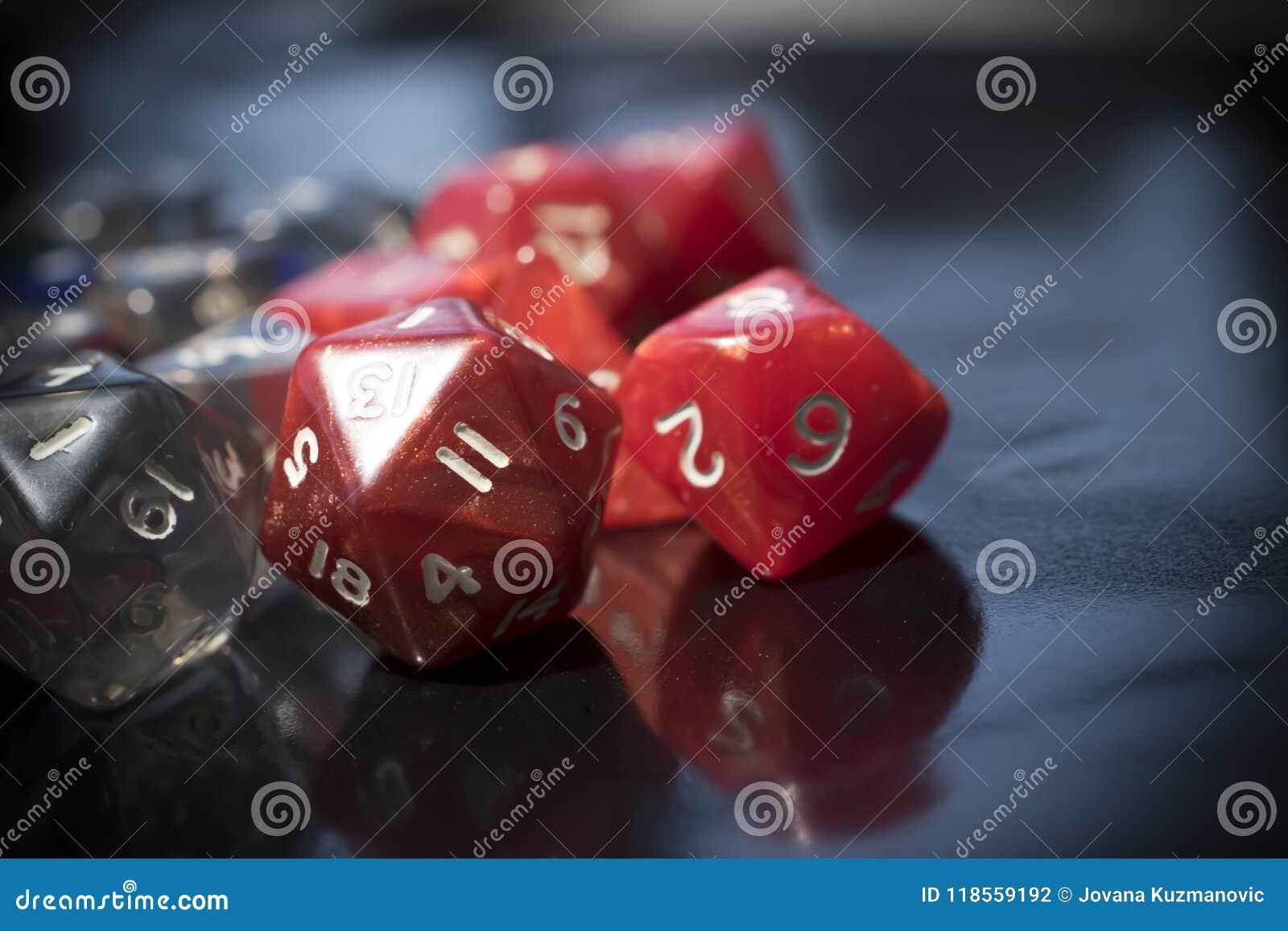 Un ensemble de matrices rouges et transparentes de RPG