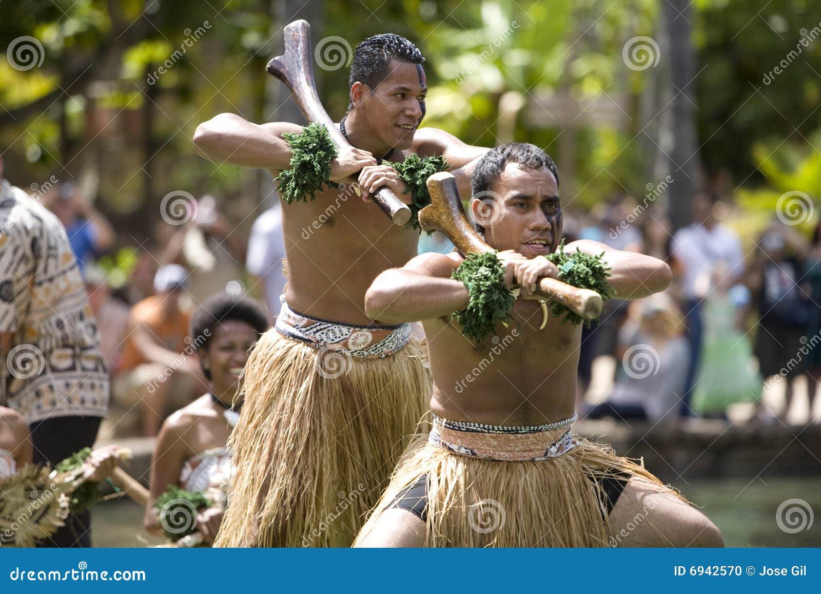 Un fijian dei 1587 danzatori