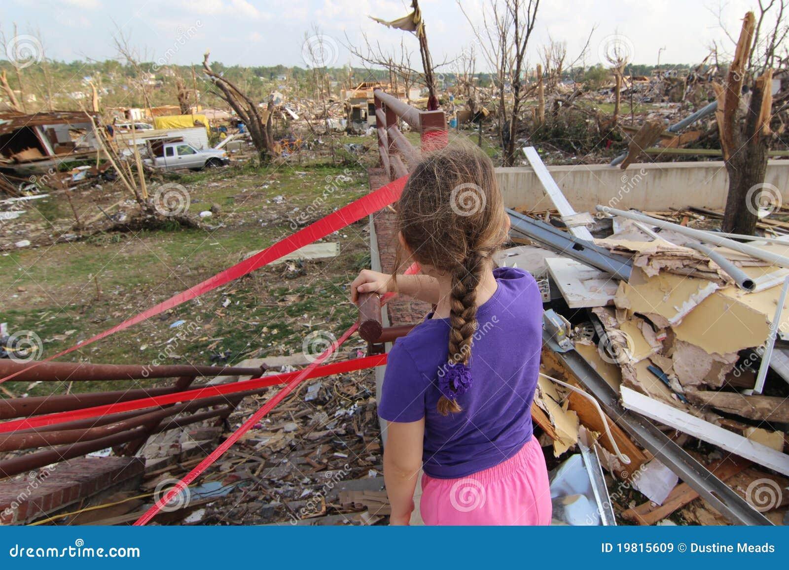 Un futuro incierto en Joplin dañado tornado, MES
