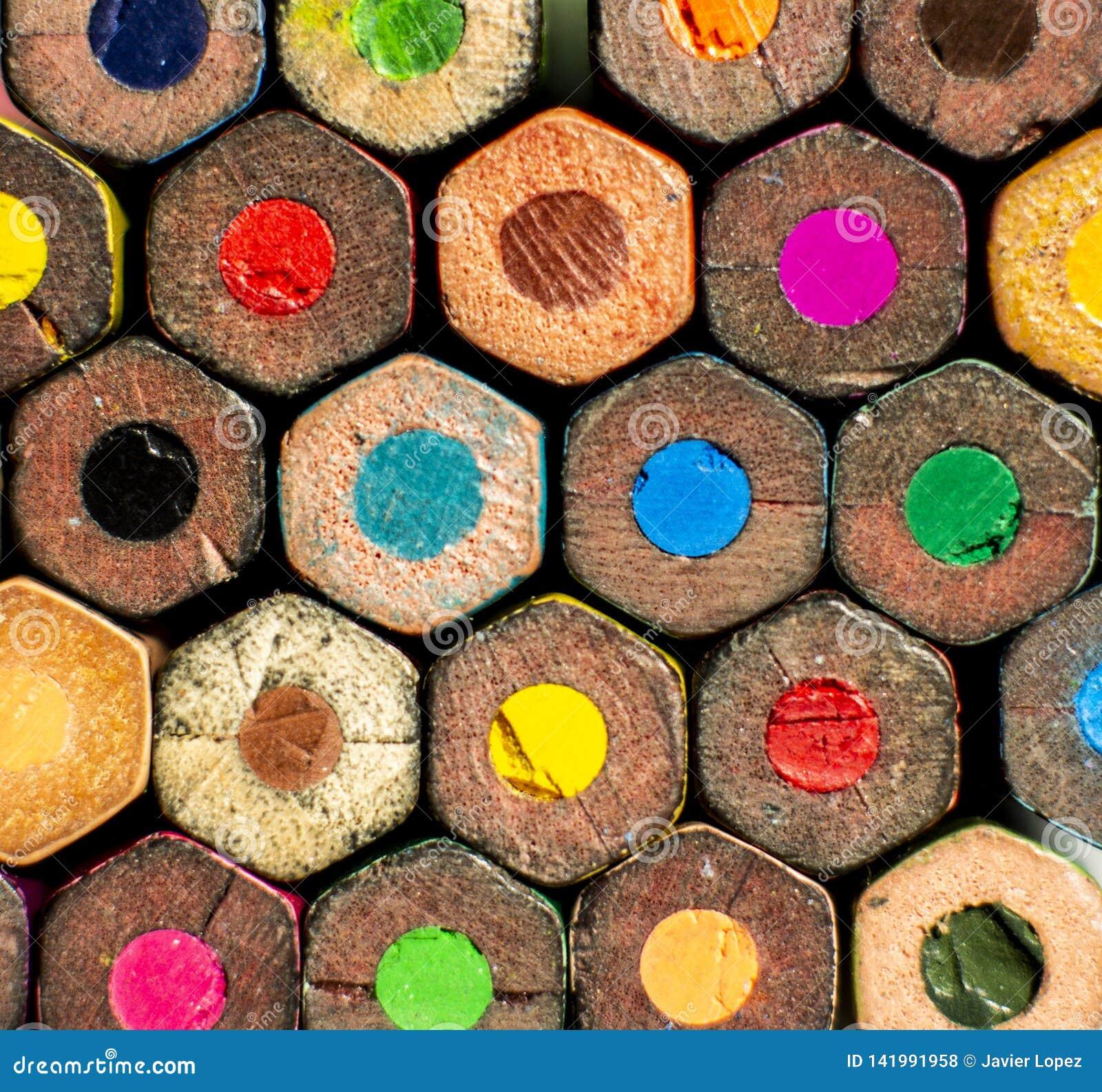 Un groupe de couleurs de crayon avec la forme hexagonale