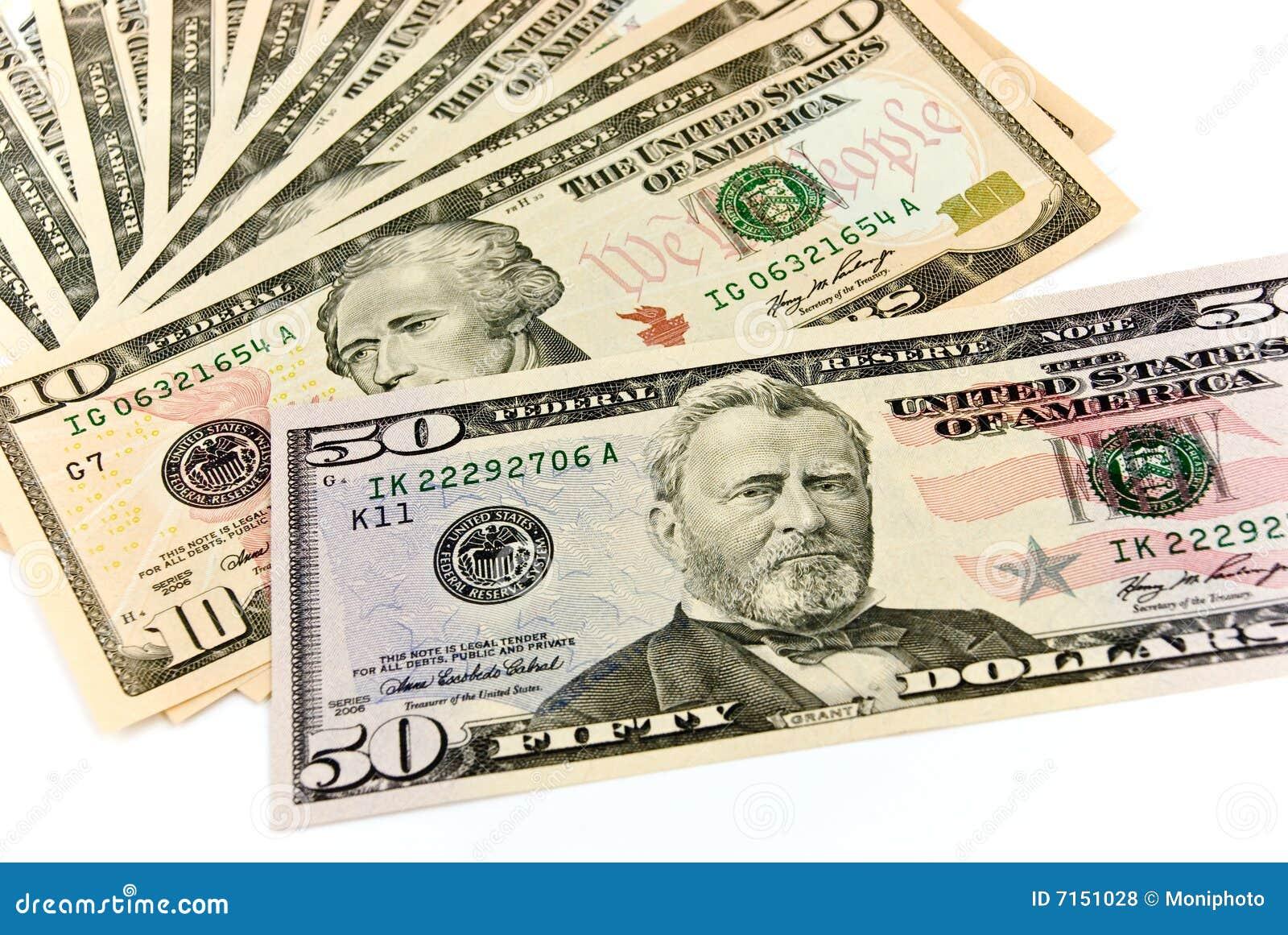 Un grupo de dólares americanos - en el backgro blanco