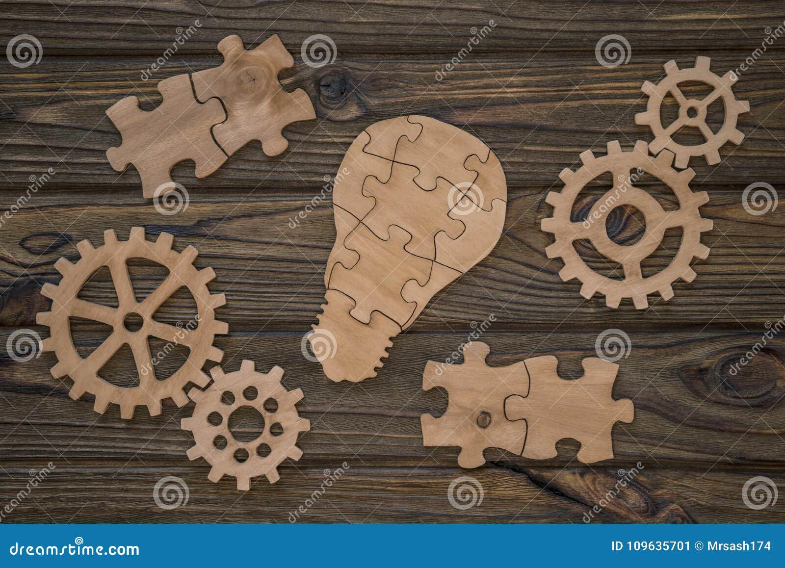 Un grupo de piezas de madera creación