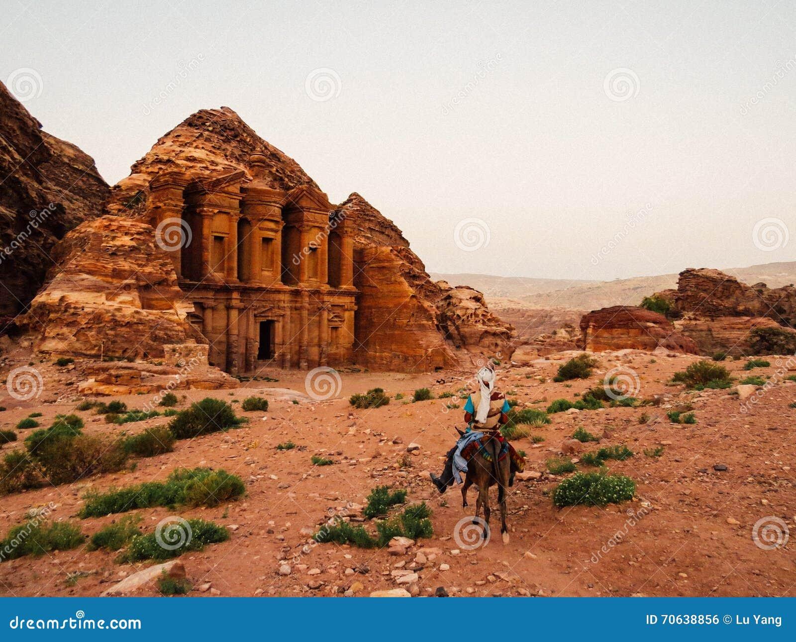 Un guide bédouin dans PETRA