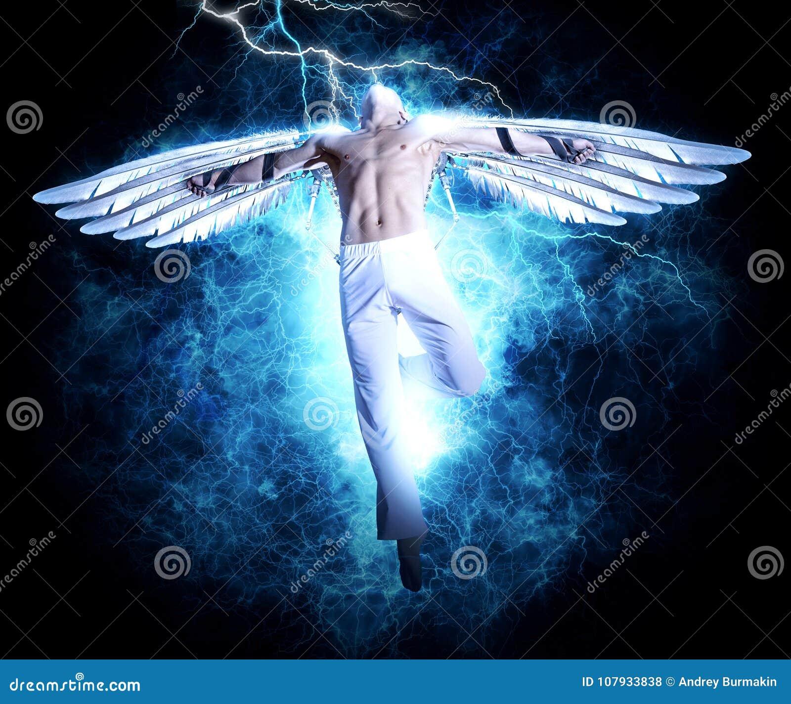 Un homme avec des ailes sur le fond de lumière de l électricité