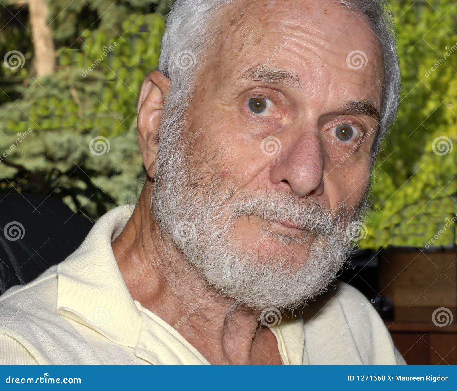 Un homme plus âgé de Distingushed