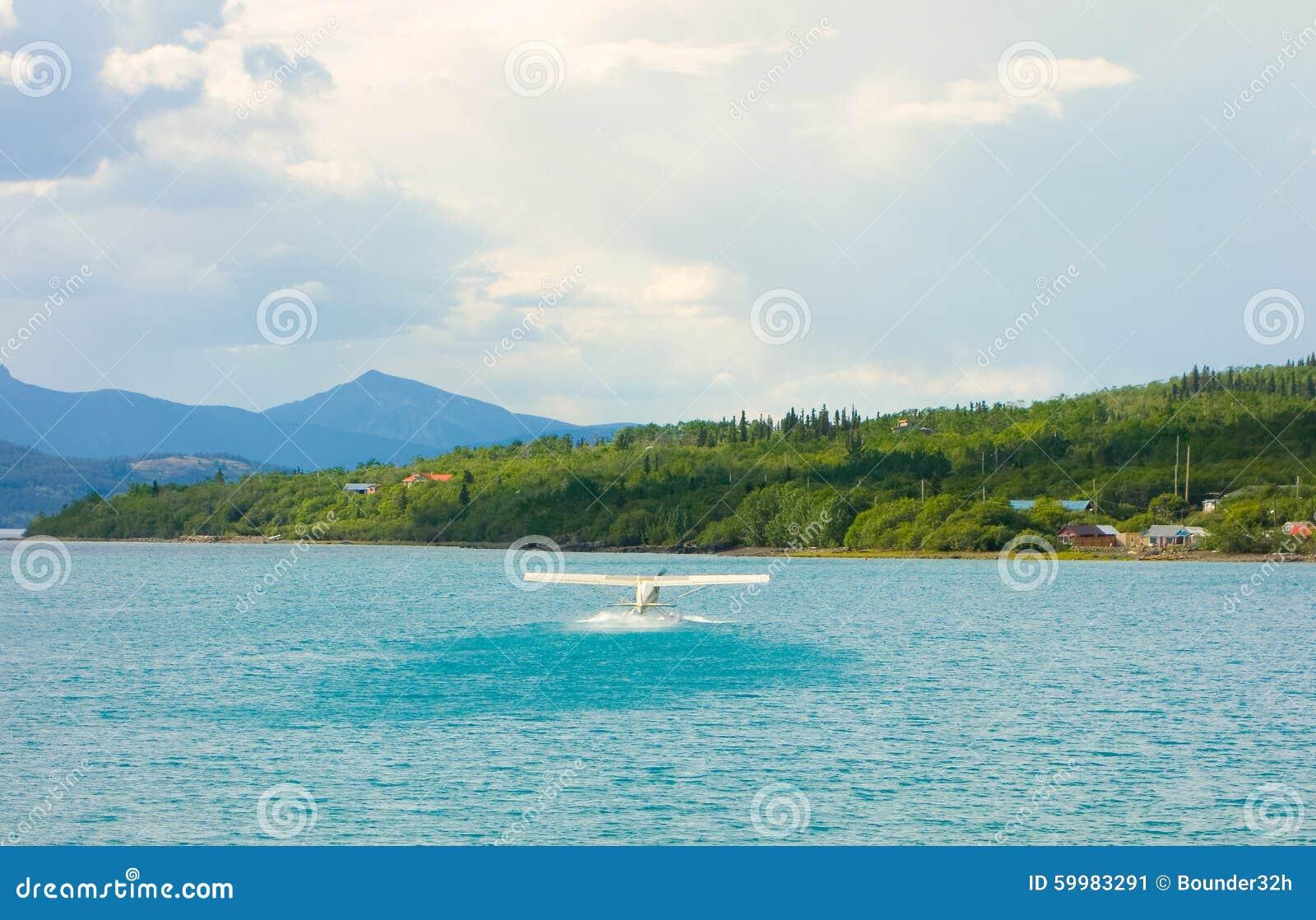 Un hydravion décollant de la baie d atlin, avant Jésus Christ