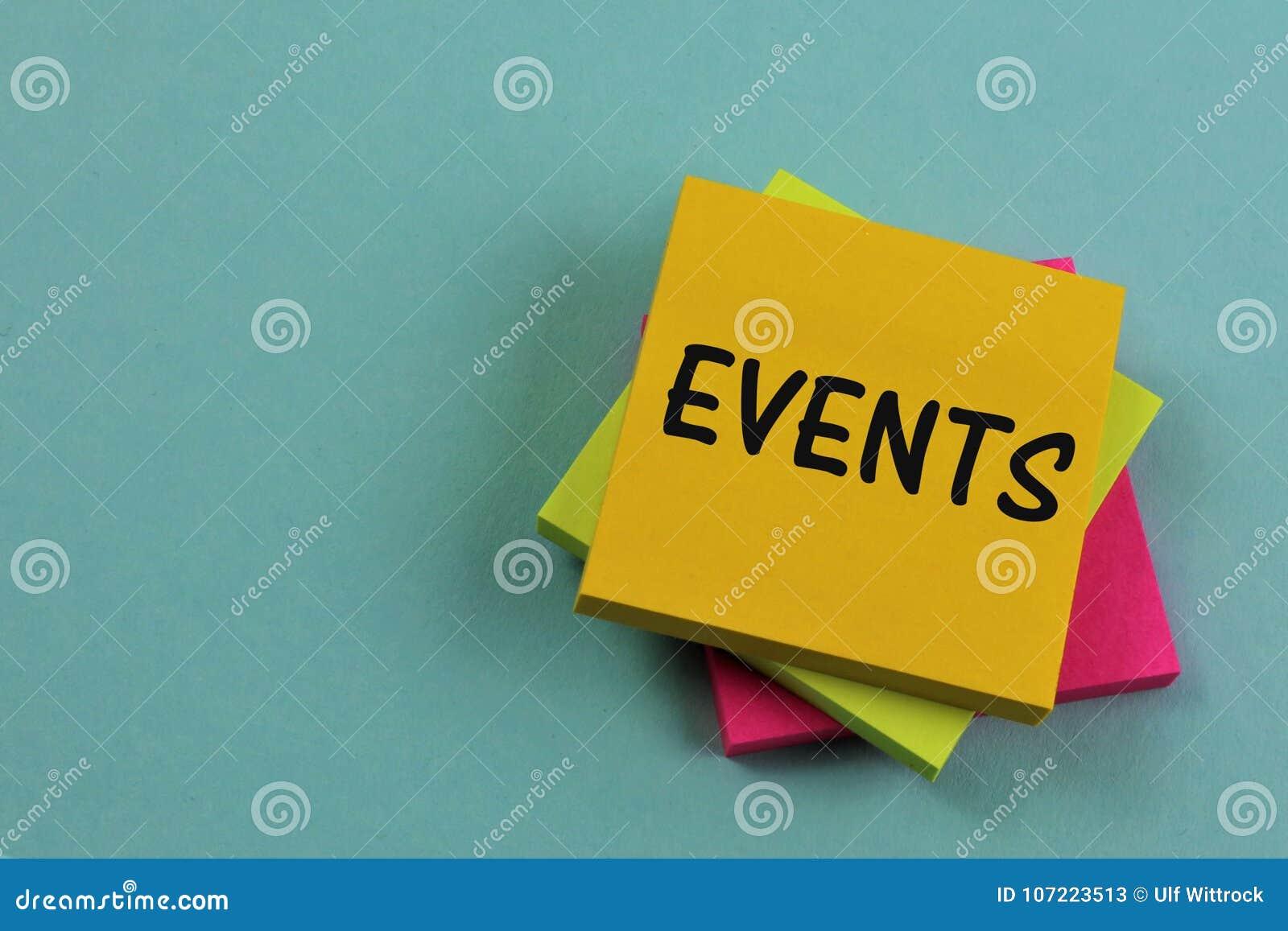 Un immagine di concetto di una nota di eventi, ufficio
