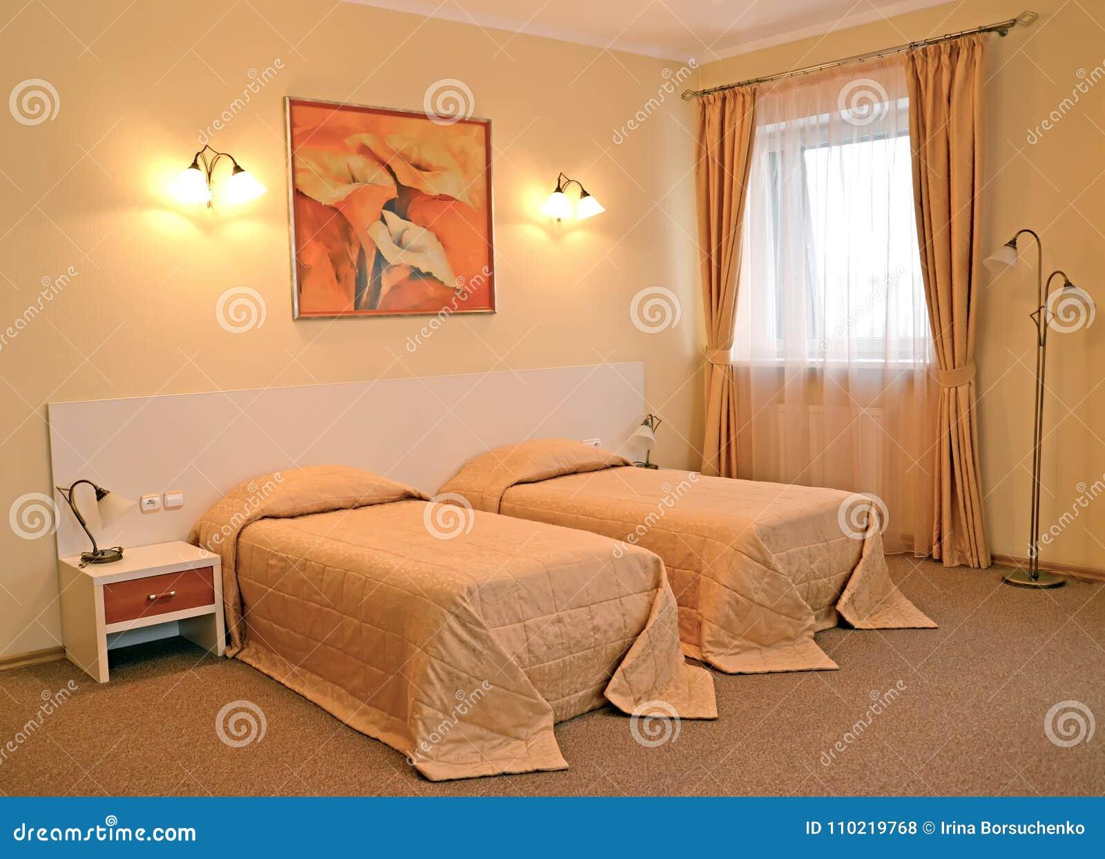 Un Intérieur De Chambre à Coucher Avec Deux Lits Dans Des Couleurs ...
