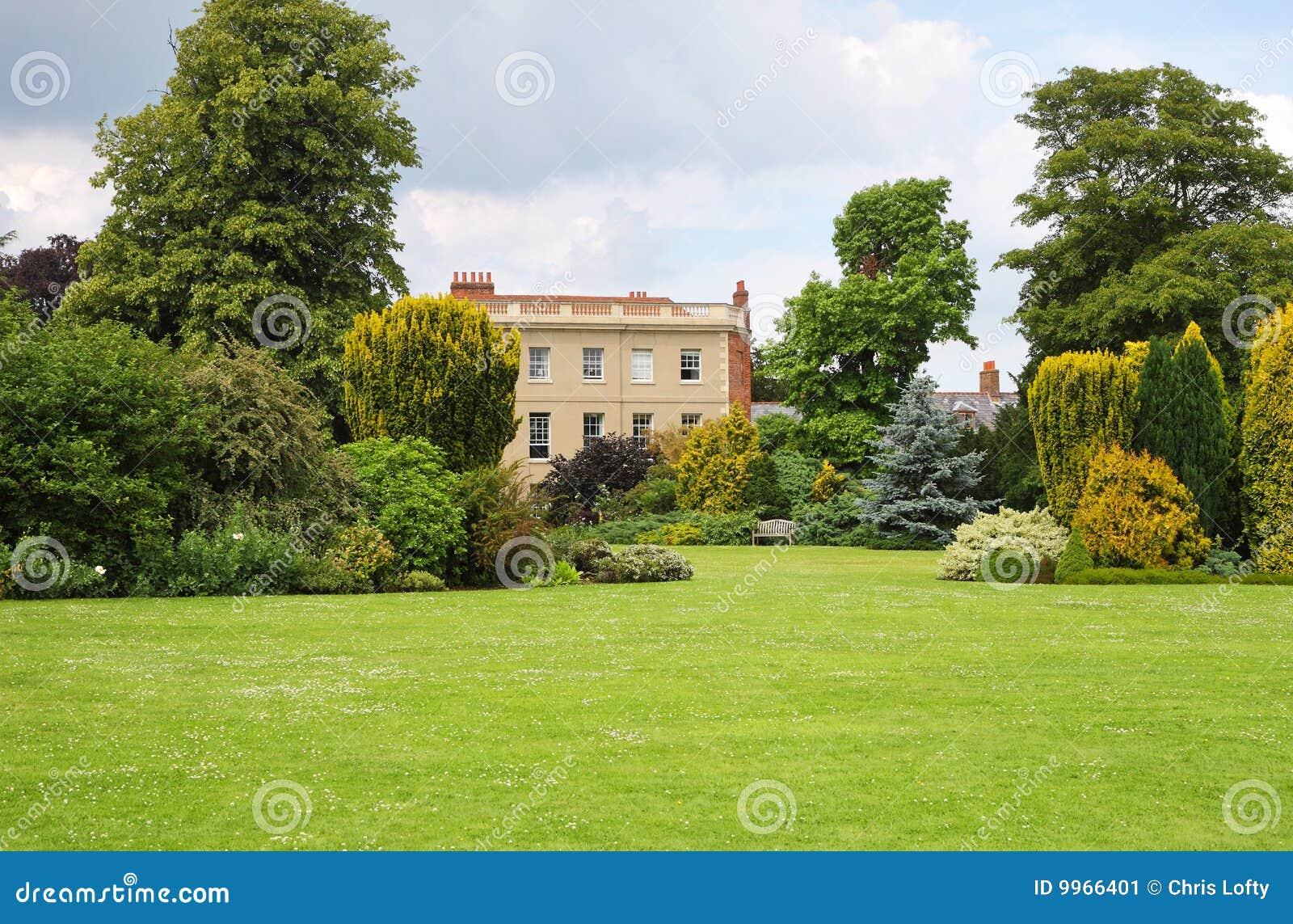 Un jardin am nag en parc anglais image stock image 9966401 for Conception jardin anglais