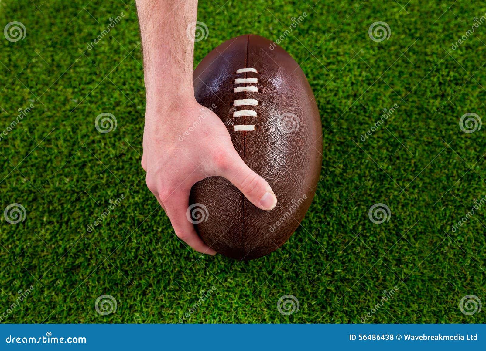 Un joueur de rugby faisant un touchdown