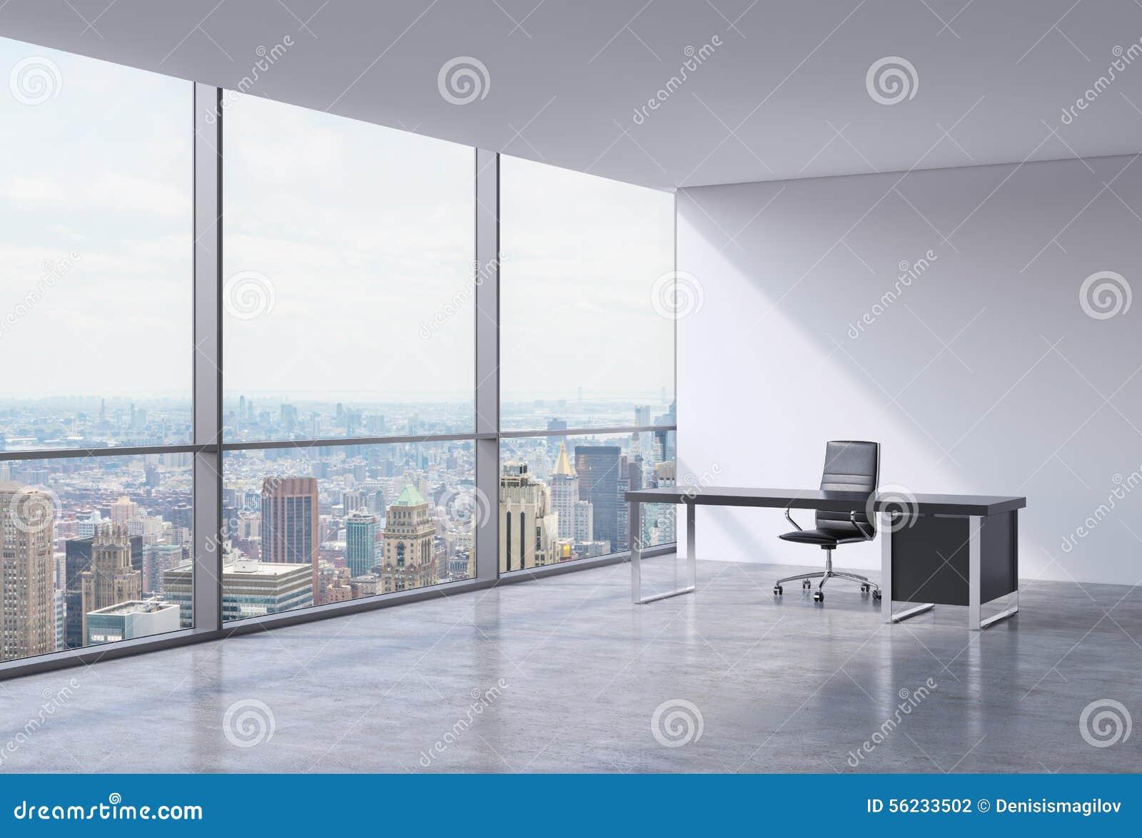 Un lieu de travail dans un bureau panoramique faisant le coin moderne new y - Travailler dans un bureau ...