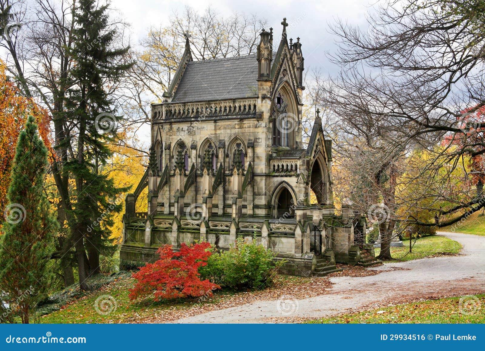 Mausol e gothique de cath drale image libre de droits image 29934516 - Une cathedrale gothique ...