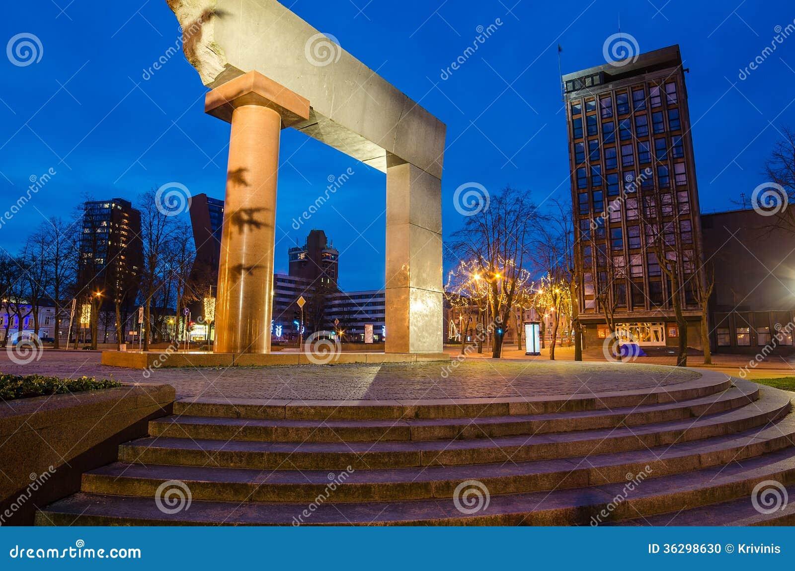 Un monumento all unificazione o Lituania in Klaipeda
