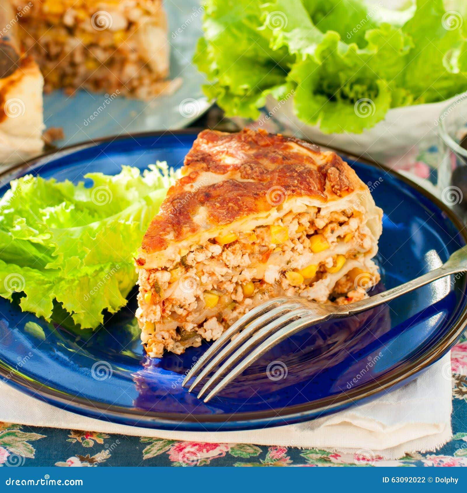 Download Un Morceau De Tarte Mexicain De Tortilla De Poulet Et De Maïs Photo stock - Image du feuilleté, cuisine: 63092022