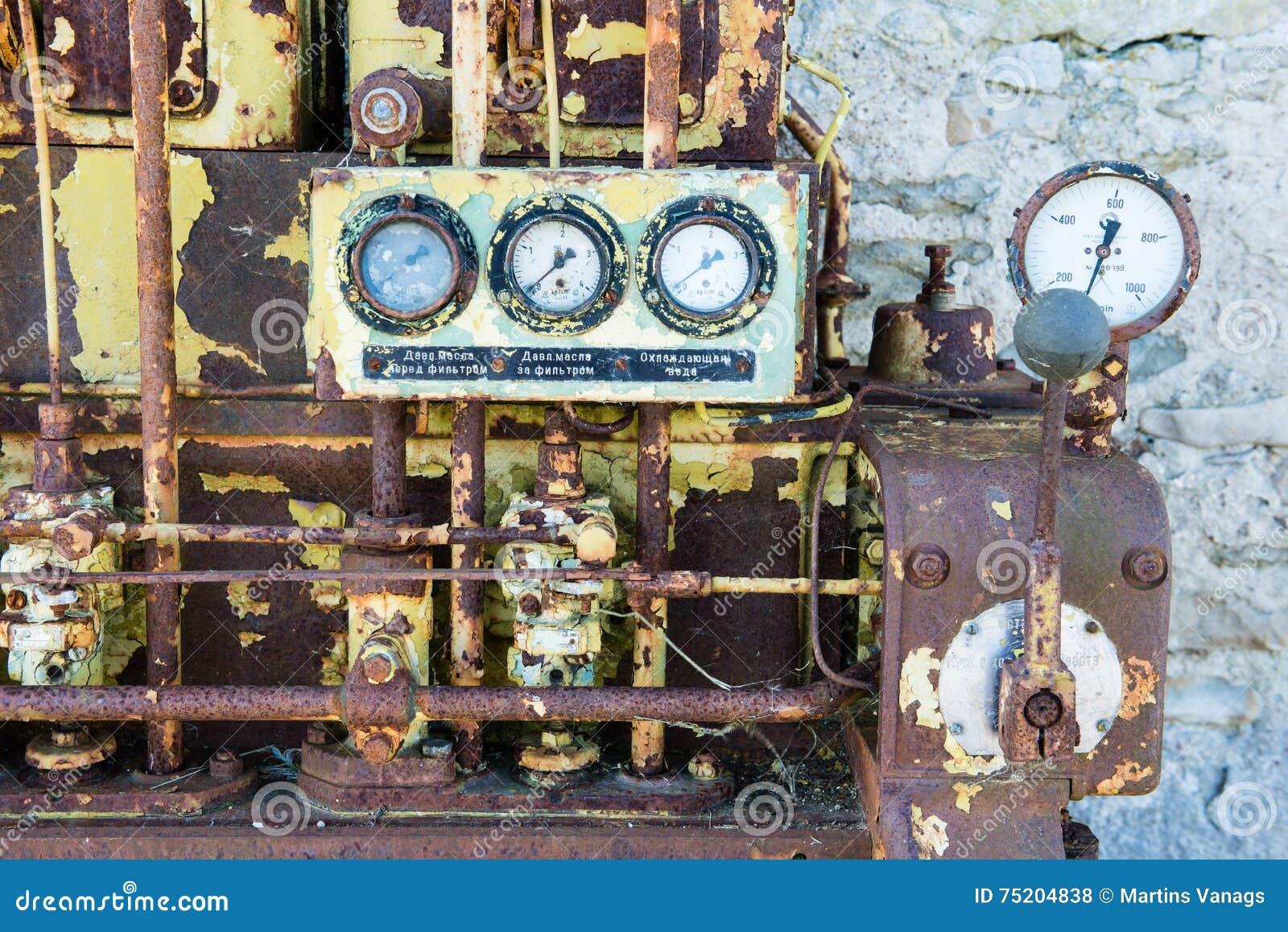 Un motor diesel anticuado viejo