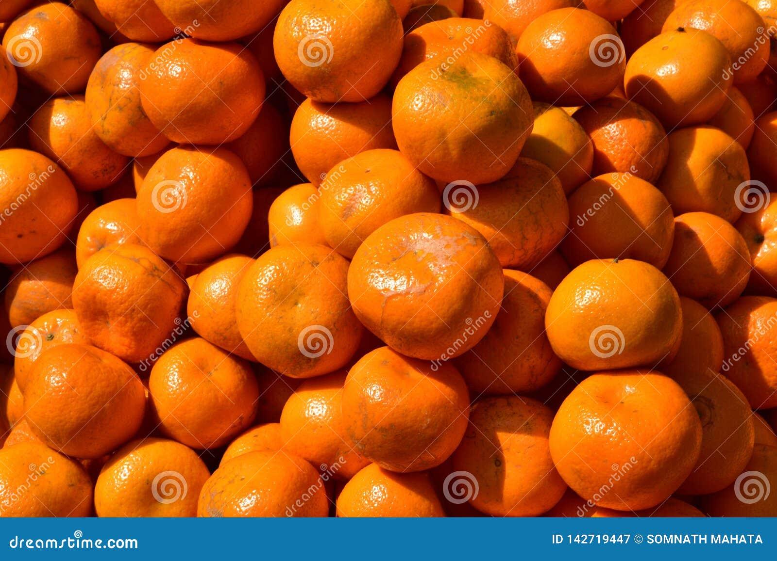 Un mucchio delle arance