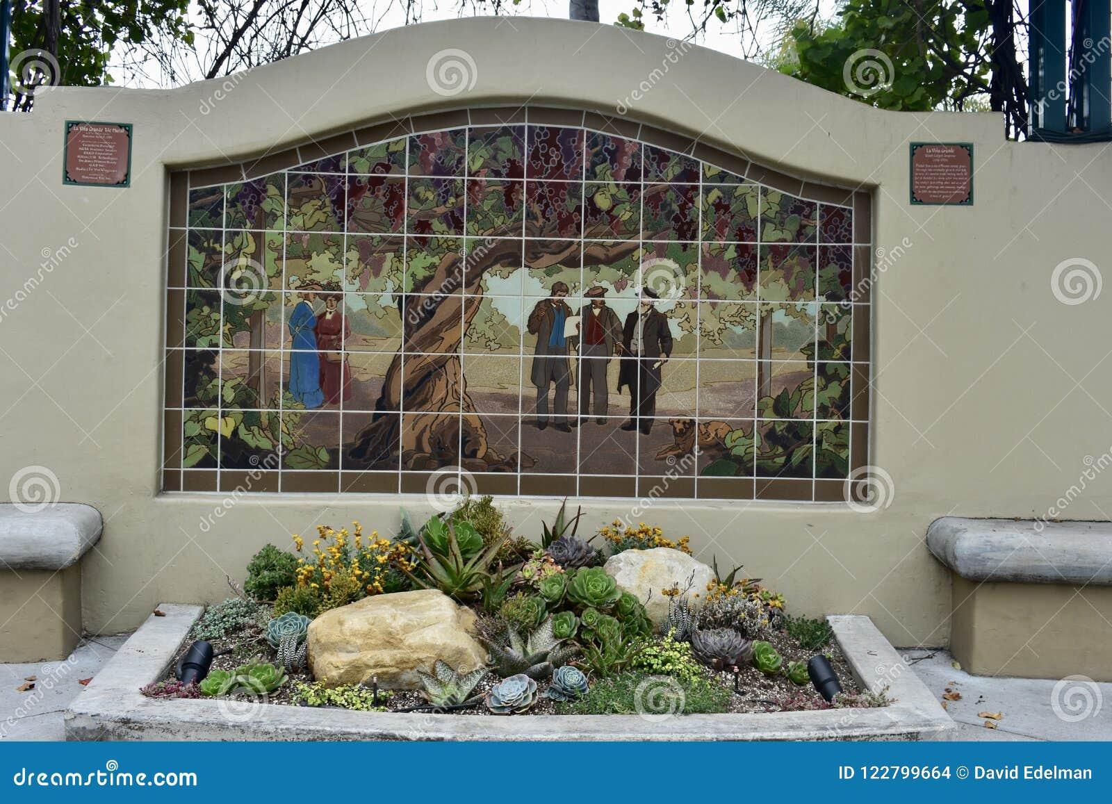 Un murale delle mattonelle di più grande vigna dei mondi