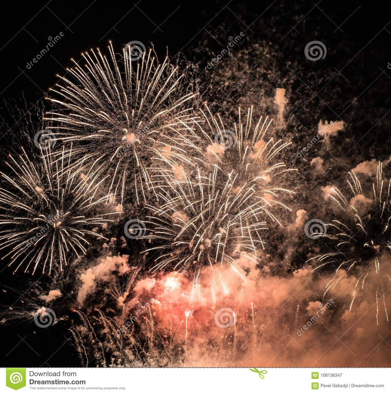 Un nuevo Year's Eve Spectacular Fireworks