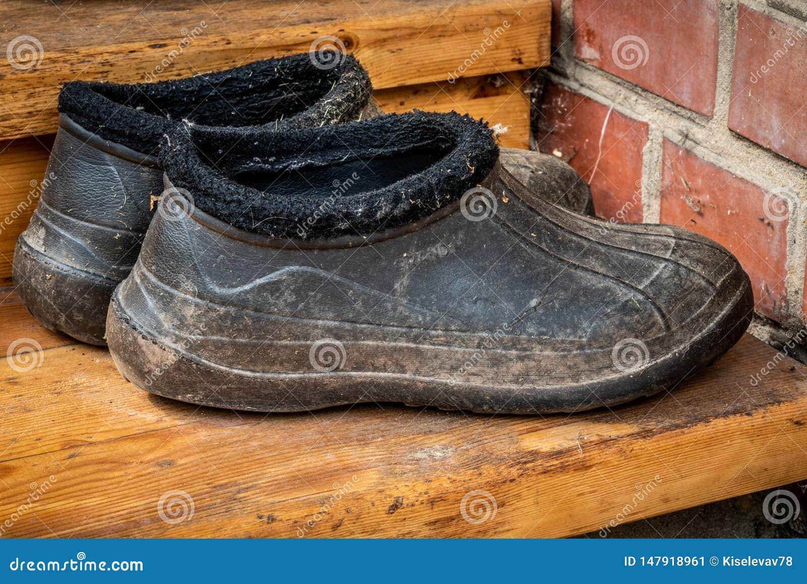 scarpe da tennis con galosche