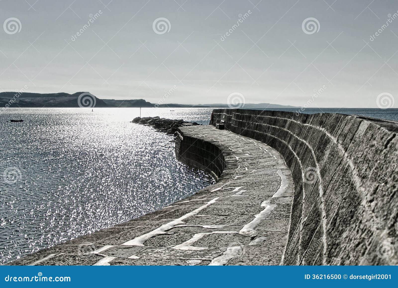 Un paseo a lo largo del Cobb ~ Lyme Regis