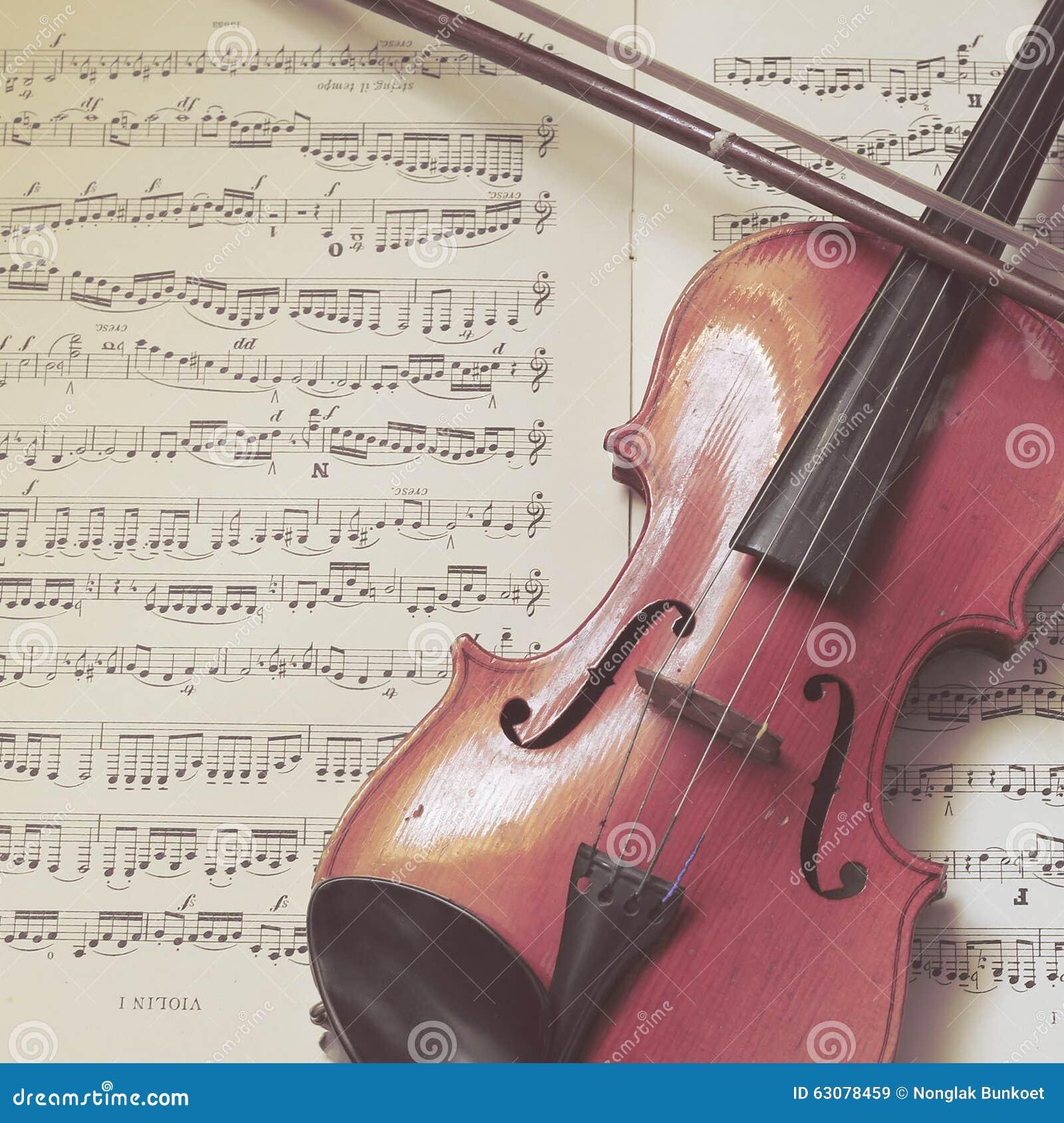 Download Un Petit Violon Traditionnel Image stock - Image du antiquité, classique: 63078459