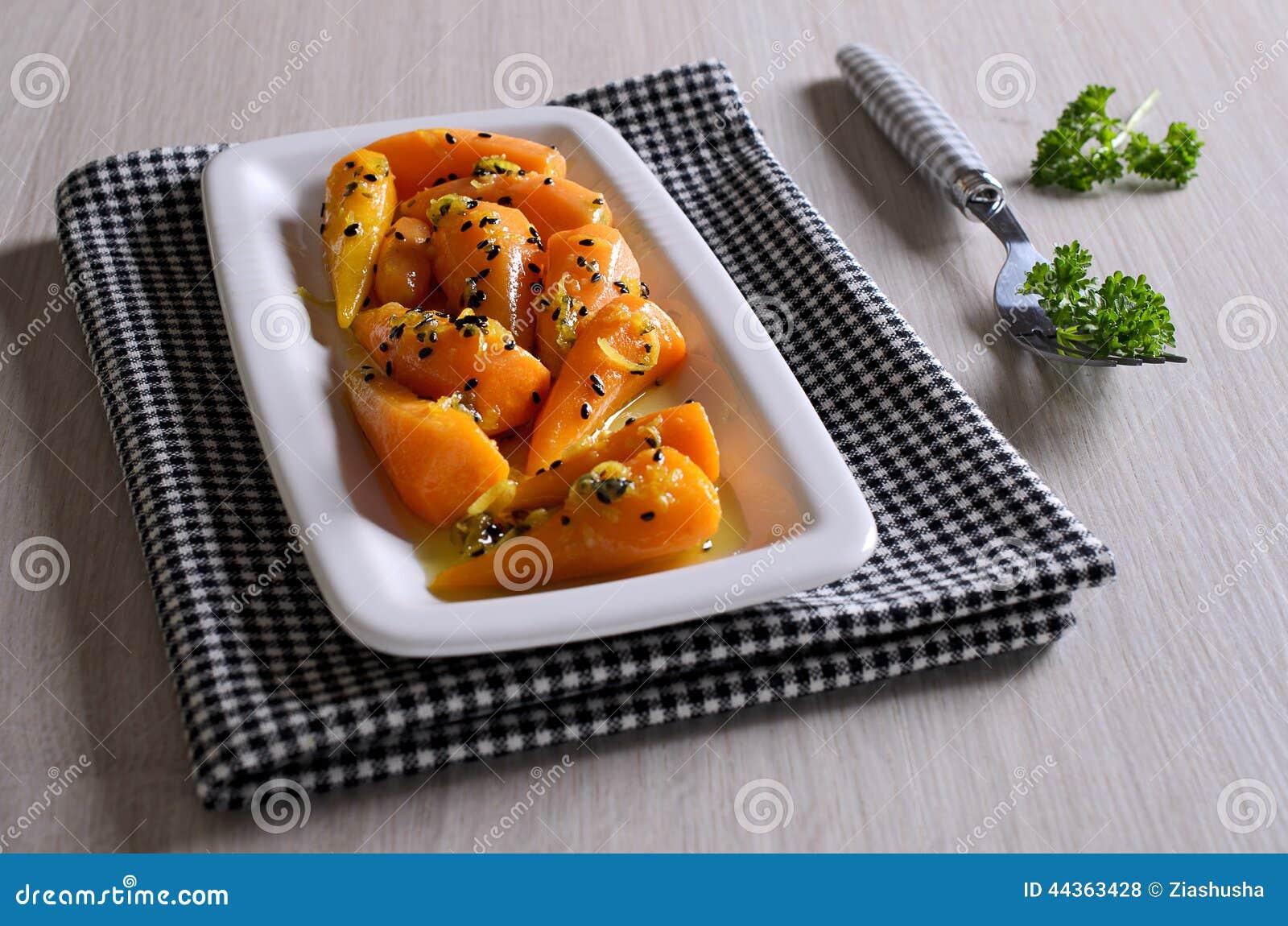 Un piatto laterale delle carote