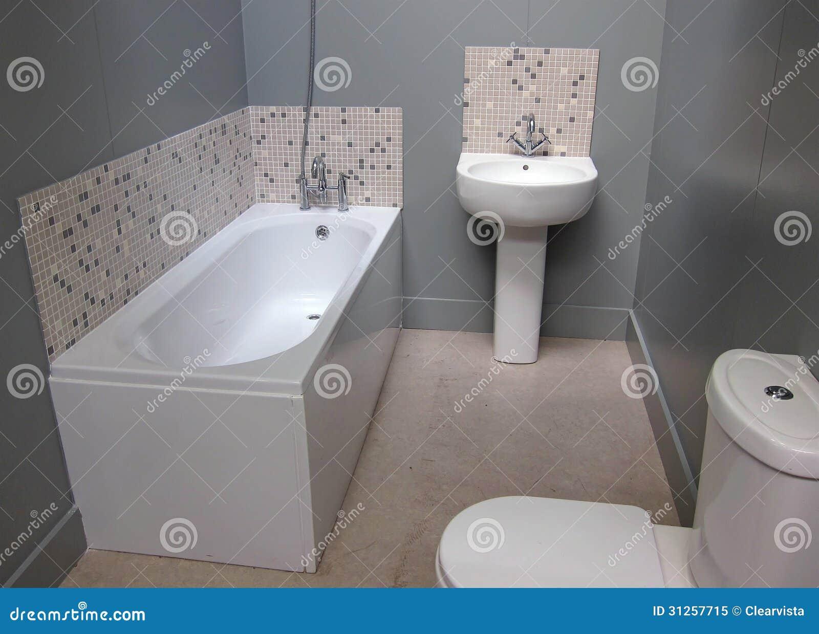 un piccolo bagno moderno fotografia stock libera da diritti